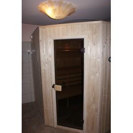 Sauna fińska świerkowa z podświetlanymi oparciami